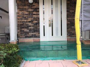 恵那市大井町で塗料が付いてはいけない箇所を養生しました。