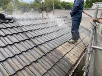 屋根のバイオ洗浄と高圧洗浄