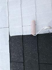 瑞浪市でスレート屋根を遮熱塗料で下塗りしました。
