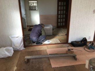 多治見市 床下収納庫の交換 床の張り替え