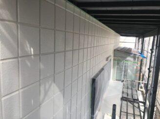 土岐市で屋根一部葺き替え 外壁塗り替え塗装 外壁中塗り塗装
