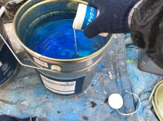 瑞浪市で外壁塗装 上塗り塗装 防カビ材投入