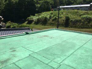 瑞浪市釜戸町で、屋上防水をリボール式圧着工法で施工していきます