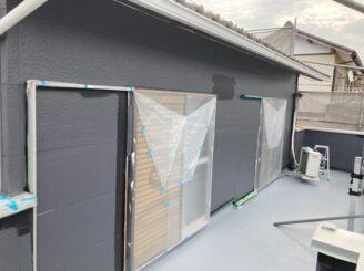 春日井市で屋根外壁塗り替え塗装 外壁上塗り