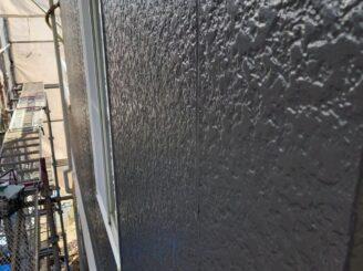 多治見市で屋根外壁の塗り替え塗装 外壁の上塗り塗装