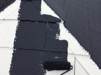 多治見市で屋根外壁の塗り替え塗装 屋根の中塗り塗装