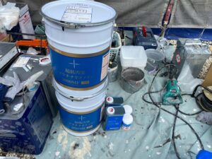 中津川市坂下でアステックペイントの超低汚染プラチナリファインにて中塗りを行います。