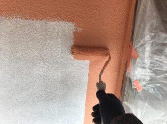 多治見市で外壁塗装 外壁中塗り塗装