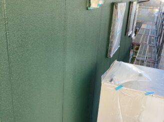 犬山市で屋根外壁塗装 外壁中塗り塗装