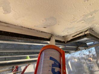 多治見市で外壁塗装 ベランダ防水工事 軒天隙間コーキング