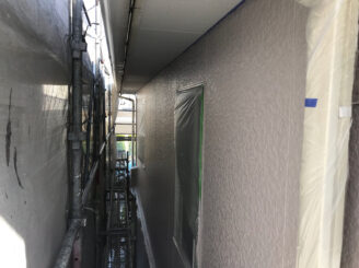 春日井市で外壁塗装 上塗り塗装