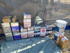 中津川市坂下で外壁塗装を行います。必要な塗料缶は全部、揃いました。