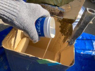 多治見市で外壁塗装 外壁の上塗り塗装 防カビ材投入