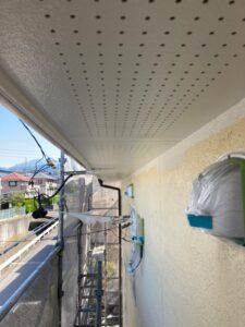 恵那市長島町で、軒天塗装を外壁の下塗り塗装を行いました。