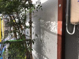 多治見市で屋根外壁塗装 中塗り塗装