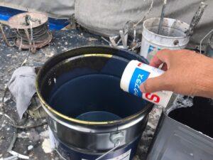 瑞浪市南小田町で、超低汚染リファインMF-IR塗料で外壁の上塗りです。