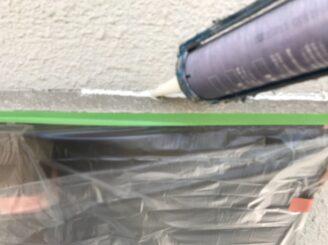 土岐市で外壁塗装 窓枠コーキング 増し打ち