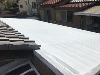 多治見市でトタン屋根の塗装 屋根下塗り塗装