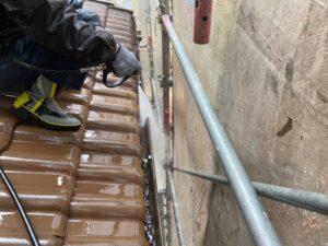 恵那市岩村町、軒樋の洗浄