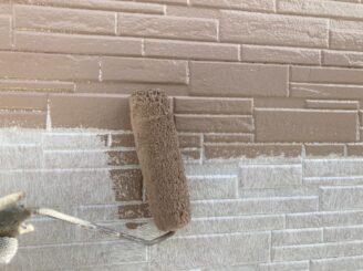 瑞浪で外壁の塗り替え塗装 外壁の中塗り塗装