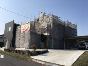 恵那市岩村町で屋根と外壁の塗装を行うに当たって、まずは下地処理です。