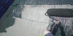 中津川市、屋根の中塗り塗装