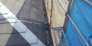 中津川市茄子川でスレート屋根の下塗り1回目塗装を施工しました。