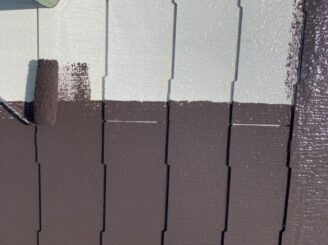 多治見市で屋根外壁塗り替え塗装 シリコン塗料で塗り替え  基礎に亀裂 樋に錆び 目地打ち替え 屋根くぎの飛び出し 釘浮き タスペーサー取付 屋根中塗り塗装