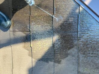 多治見市で屋根外壁塗り替え塗装 シリコン塗料で塗り替え  基礎に亀裂 樋に錆び 樋に汚れ バイオ洗浄