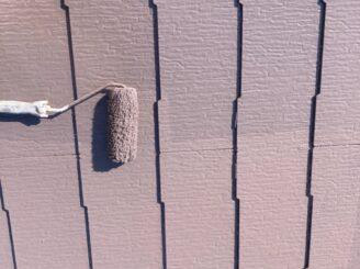 多治見市で屋根外壁塗り替え塗装 シリコン塗料で塗り替え  基礎に亀裂 樋に錆び 目地打ち替え 屋根くぎの飛び出し 釘浮き タスペーサー取付 屋根上塗り塗装