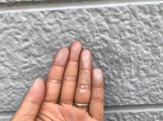 多治見市 瑞浪市で外壁塗装 ベランダ防水工事 シリコン塗装 目地亀裂 塗り替え前 外壁に亀裂 チョーキング現象