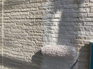 多治見市で屋根外壁塗り替え塗装 シリコン塗料で塗り替え  基礎に亀裂 樋に錆び 目地打ち替え 外壁下塗り