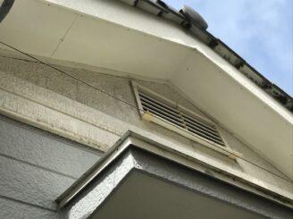 多治見市 瑞浪市で外壁塗装 ベランダ防水工事 シリコン塗装 目地亀裂 塗り替え前 外壁の汚れ