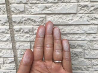 多治見市で屋根外壁塗り替え塗装 シリコン塗料で塗り替え 屋根に欠け 樋に汚れ チョーキング現象