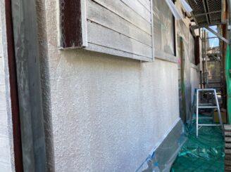 多治見市で平屋の外壁塗り替え塗装 ラジカルシリコンGH 外壁下塗り塗装