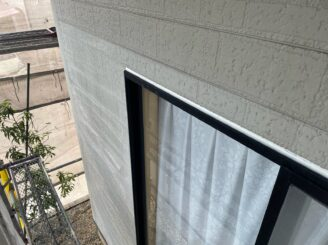 土岐市 瑞浪市 屋根外壁塗り替え塗装工事 外壁目地打ち替え コーキング シーリング 目地養生完成 目地撤去 目地剥がし 目地打ち替え完成 高耐候性 高耐久性 窓周りコーキング 増し打ち