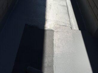 土岐市でベランダ防水工事 外壁塗装 リボール式 苔発生 ベランダ防水機能低下 汚れ 高圧洗浄 下地張り クロス張り 防水材塗布