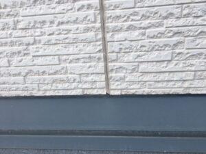 多治見市で屋根外壁塗装のご依頼。目地に大きな亀裂がありました。