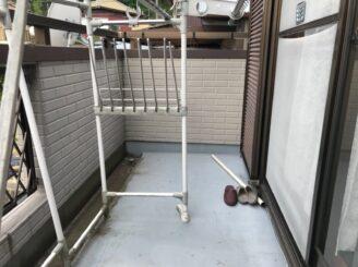土岐市でベランダ防水工事 外壁塗装 リボール式 苔発生 ベランダ防水機能低下 汚れ 現調時 工事前