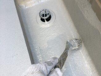 土岐市でベランダ防水工事 外壁塗装 リボール式 苔発生 ベランダ防水機能低下 汚れ 高圧洗浄 下地張り クロス張り 防水材塗布 保護防水材