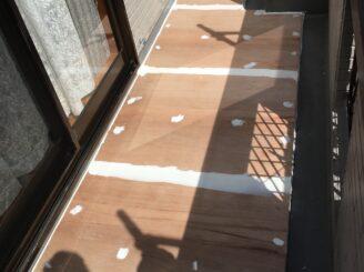 土岐市でベランダ防水工事 外壁塗装 リボール式 苔発生 ベランダ防水機能低下 汚れ 高圧洗浄 下地張り